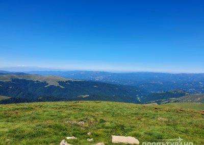 Гледка към Македония от връх Руен