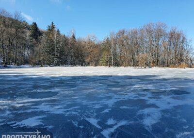 Боянско езеро зима лед